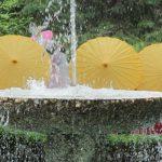 yellow-umbrellas-800